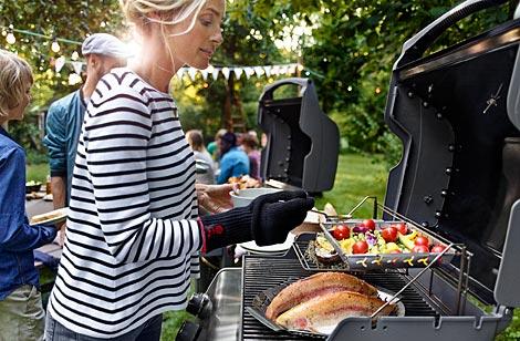Dann Heißt Es: Raus Aus Der Küche, Ab In Die Natur. Grillen Ist Ein  Vergnügen Für Das Ganze Jahr.